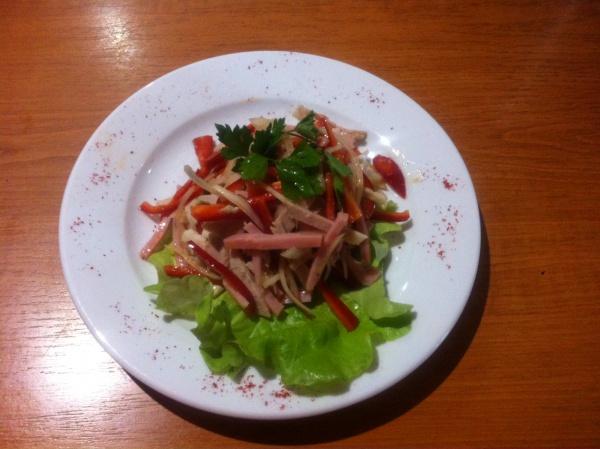 Пикантный (ветчина, мясо, перец, олив. масло, бальзамик)
