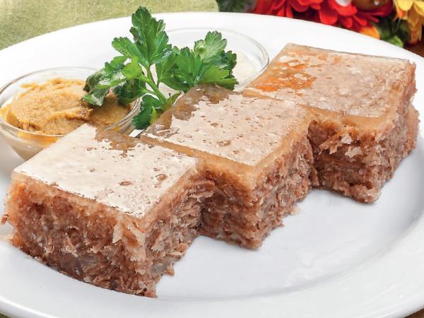 Холодец деревенский из трёх видов мяса